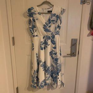 Lulus ruffle dress large white blue floral